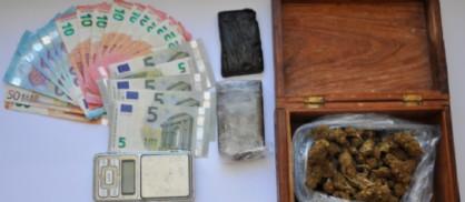 Ecco cosa hanno ritrovato gli agenti della Polizia nell'abitazione dello spacciatore