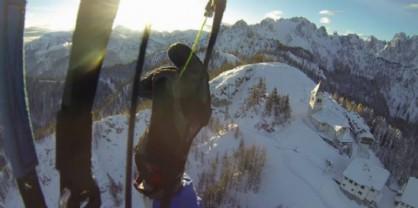 Con il parapendio sopra il monte Lussari