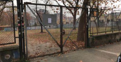 Il cancello del giardino di via Revello