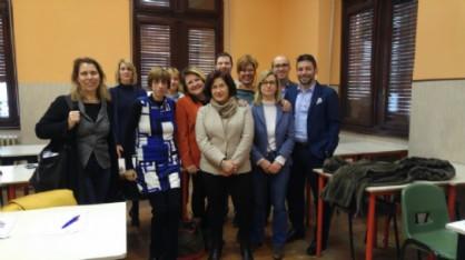 Il gruppo di studenti con la professoressa Sylvie Calmon e la presidente dell'Alliance Française Claudia Casazza