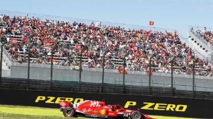 La Ferrari di Sebastian Vettel in pista a Suzuka durante il GP del Giappone di F1
