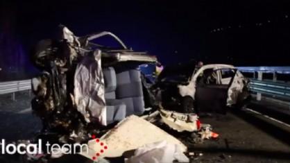 Auto in contromano a Sondrio, ciò che resta del drammatico frontale in cui sono morte 6 persone