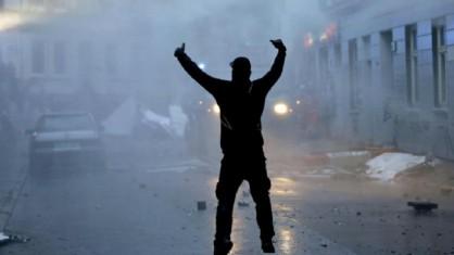 Torino, gli anarchici sfidano la Polizia: «Per noi Diaz, per voi piazzale Loreto»