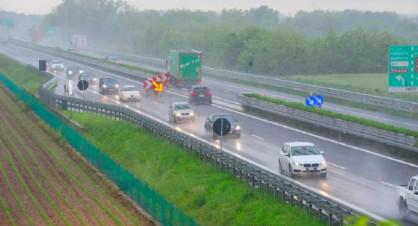 Giornata di traffico intenso in A4: continuano a crescere i transiti di Tir
