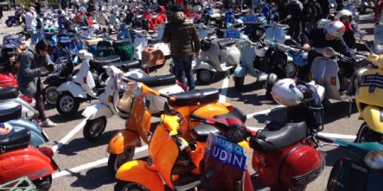 Tantissimi e coloratisaimi i modelli di Vesdpe arrivati a Udine