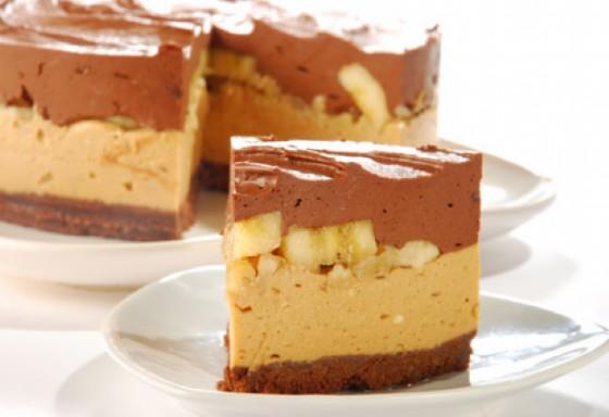 Una gustosa torta da realizzare con platano e cioccolato