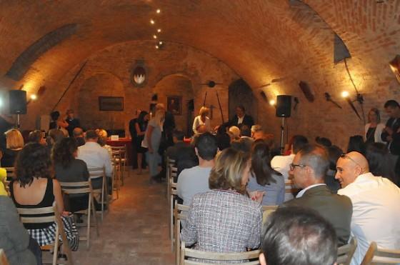 Un centinaio di persone hanno assistito alla presentazione dell'evento e all'assegnazione del premio