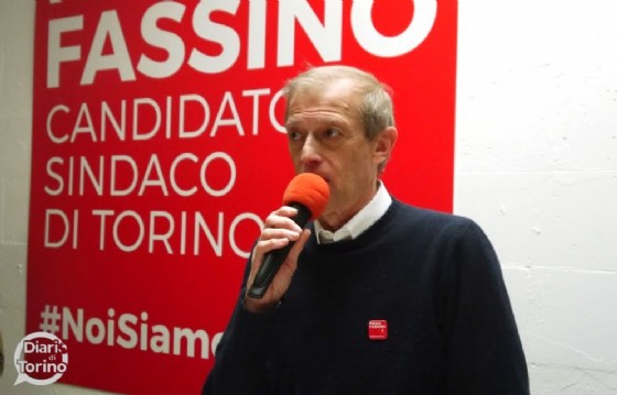 Piero Fassino all'inaugurazione della sede di via Pavia (© Diario di Torino)