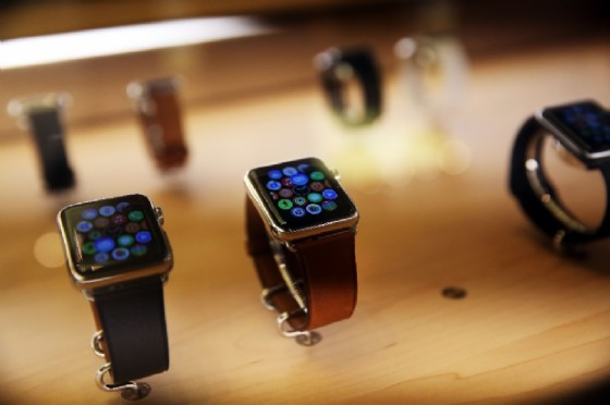 Apple Watch has quickly taken the lead in the smartwatch market, despite making its debut later than those of rivals (AFP Photo/Spencer Platt)