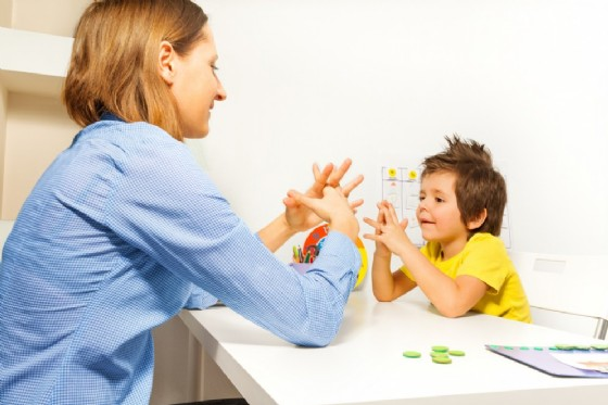 Autismo e aiuti alle famiglie (© Sergey Novikov | shutterstock.com)