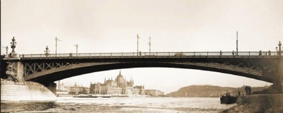 Il ponte Margherita che unisce l'omonima isola al centro del Danubio