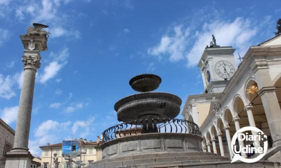 L'installazione di Tatzu Nishi in piazza Libertà a Udine (© Diario di Udine)