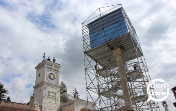 L'installazione di Tatzu Nishi in piazza Libertà a Udine