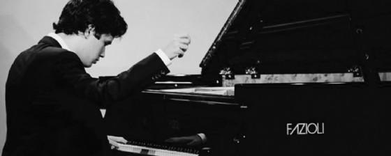 Losito al pianoforte