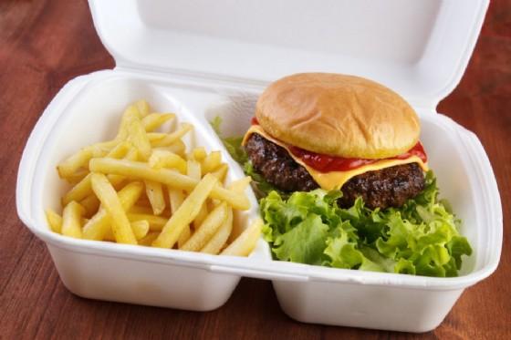 i contenitori dei fast food sono nocivi