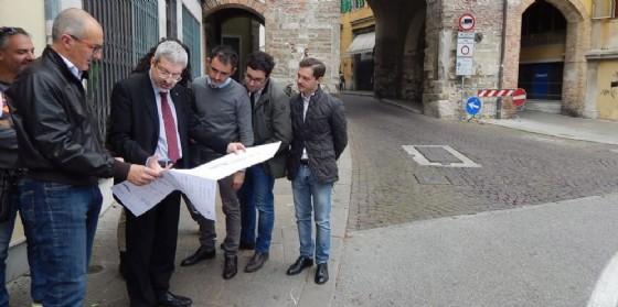 Consegne dei lavori in piazza Patriarcato (© Comune Udine)