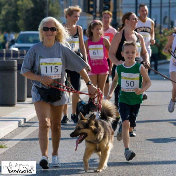 Alcuni partecipante alla Trieste Doggy Run dello scorso anno