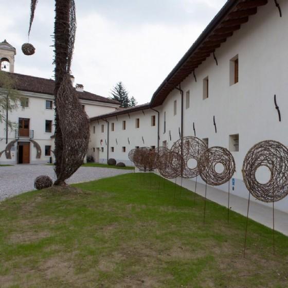Palazzo Burovich e le installazioni fatte con le viti