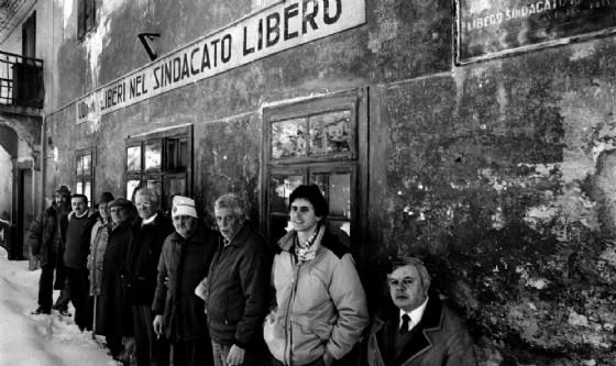 I minatori al tempo dell'occupazione della miniera (© Cisl Alto Friuli)