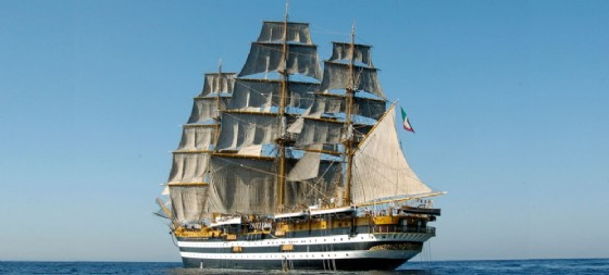 L'Amerigo Vespucci in navigazione