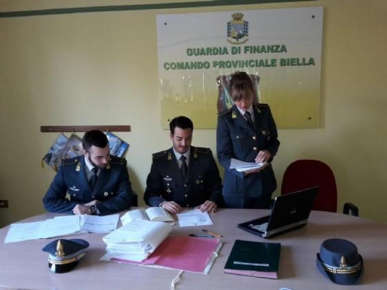 Agenti della Gdf di Biella (© Diario di Biella)