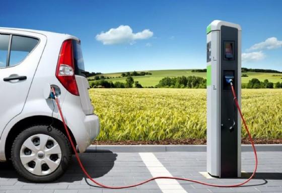 Una delle stazioni per la ricarica delle auto elettriche (© autoelettriche.it)