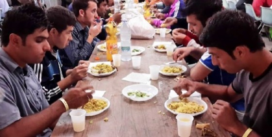 La cena organizzata a Udine per la fine del Ramadan 2015 (© Diario di Udine)