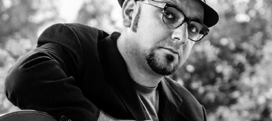 Marco Anzovino, musicista e cantautore attivo sul territorio, in concerto a Cordovado venerdì 17 giugno (© Pro Cordovado-Sapori in Borgo)