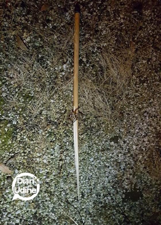 Uno dei bastoni utilizzati per l'aggressione
