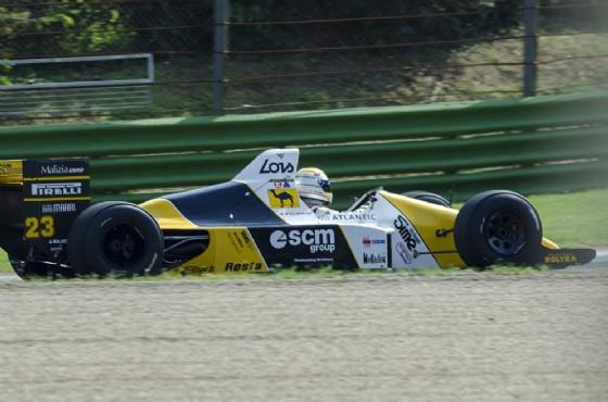 Una Minardi M189 in pista (© Minardi)