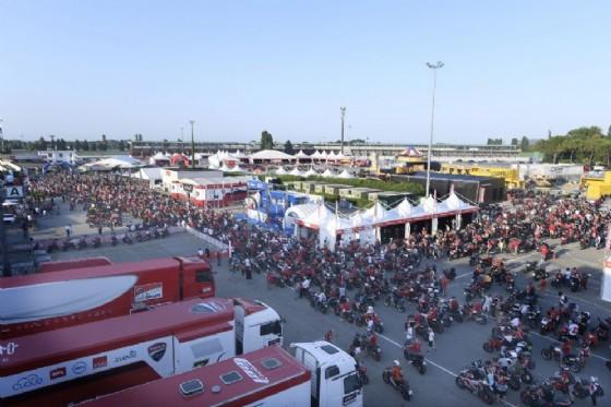 Il paddock della World Ducati Week 2016