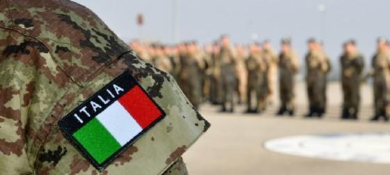 Esercito a Redipuglia, omaggio dagli allievi dell'accademia sotto la guida del Generale Battisti (© Adobe stock | meanmachine77)