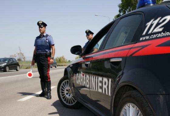 Fermato alla guida dai carabinieri senza patente