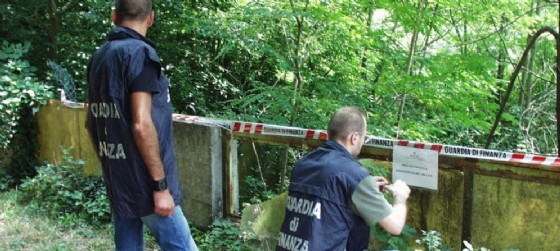 Scoperta discarica abusiva a Medea (© Gdf Comando di Gorizia)