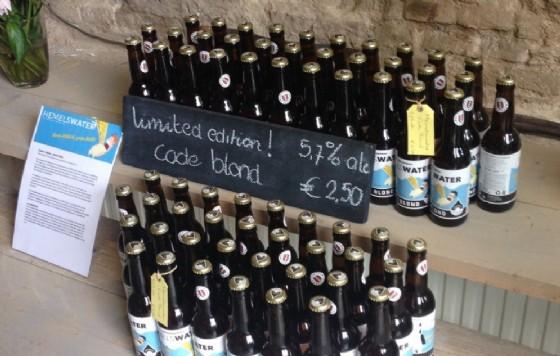 La birra dalla pioggia (© Credits photo courtesy of Helmeswater)