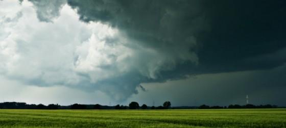 Tromba d'aria causa ingenti danni e disagi nel pordenonese (© Adobe stock   maldesowhat)