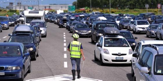 Giornata di code e traffico in autostrada