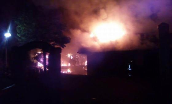 Un agriturismo danneggiato dalle fiamme a Enomonzo