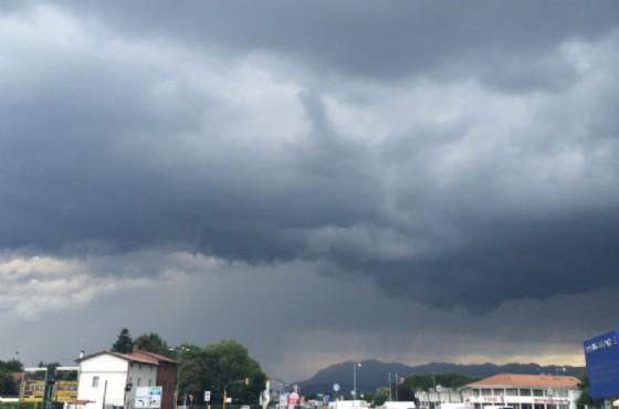 Nuvole minacciose sopra Udine Nord