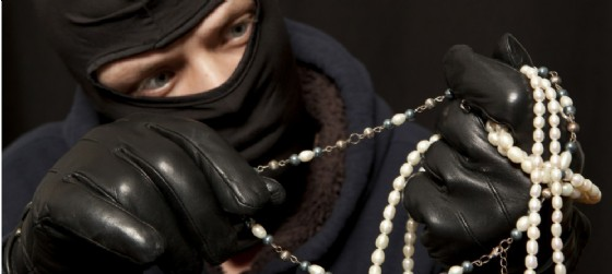 furto in chiesa (© Adobe stock - foto di Andrey Burmakin)