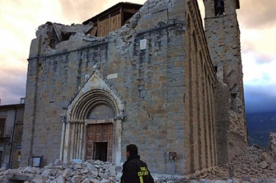 Una delle chiese distrutte dal terremoto (© Diocesi Ud)