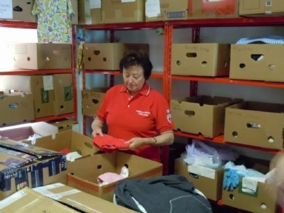 Avviata una raccolta abiti e materiali per i terremotati (© Cri)
