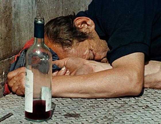 In Fvg è all'ordine del giorno il problema alcol (© ANSA)