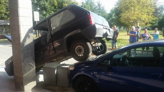 La foto dell'incidente di Rivoli sta facendo il giro del web