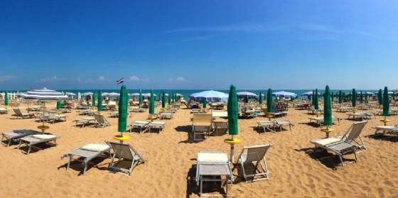 La spiaggia di Lignano (© Adobe Stock)