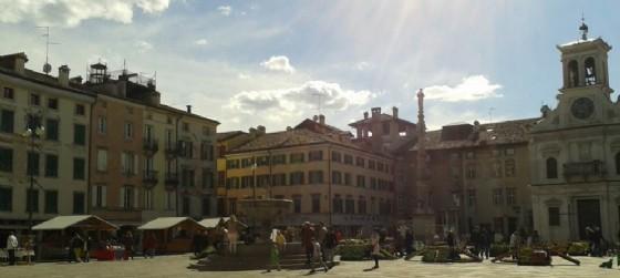 """Piazza San Giacomo, a Udine, in occasione di Friuli Doc sarà nuovamente """"stellata"""" (© Diario di Udine)"""