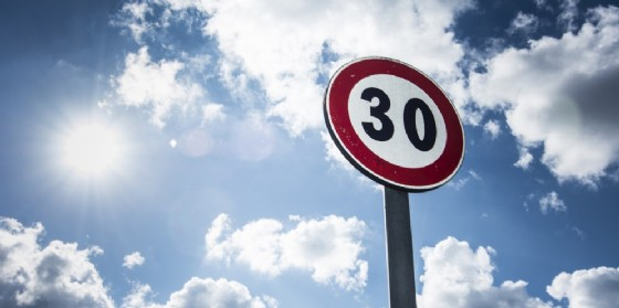 Sempre più limiti di 30km/h a Udine (© Adobe Stock)