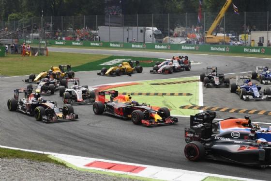 La partenza dell'ultimo GP di F1 a Monza (© Pirelli)