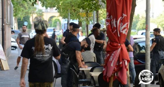 Le immagini dell'arresto in via Roma
