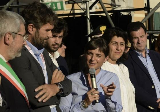 La presidente Serracchiani con Cracco al taglio del nastro (© Montenero)